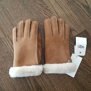 Ugg woman's gloves size L chestnut